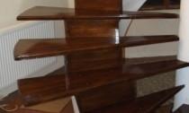 scari lemn pe suport beton